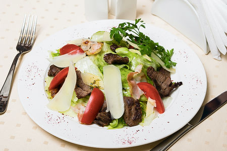 Фирменный теплый салат Коржов