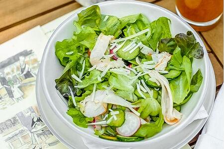 Сочный салат с индейкой и трюфелем