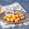 Фото к позиции меню Куриные колбаски с картофельными шариками