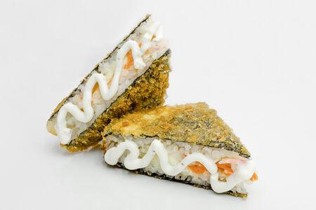Ролл Жареный сэндвич с лососем и крабом