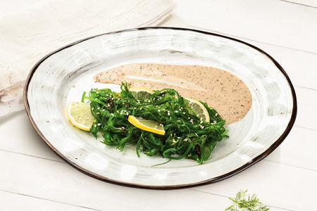 Салат Водоросли Чука с ореховым соусом