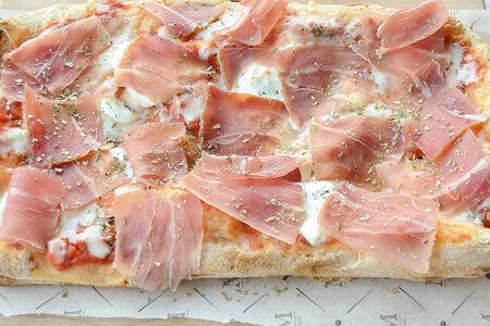 Римская пицца Пармская ветчина и маскарпоне