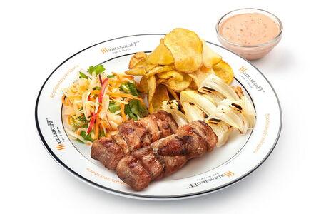 Слайсы из свинины жареный картофель