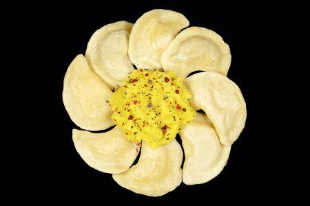 Вегетарианские вареники МашрумПели с картофелем и грибами