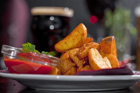 Картофель Айдахо с томатным соусом