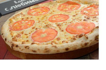 Пицца Маргарита с помидорами