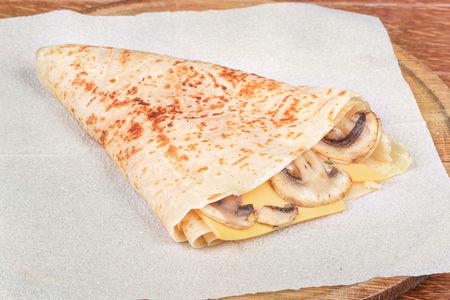 Блин с сыром и грибами