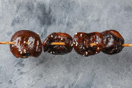 Шашлык из грибов шиитаке