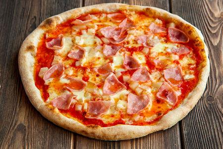 Пицца Гавайская с кисло-сладким соусом
