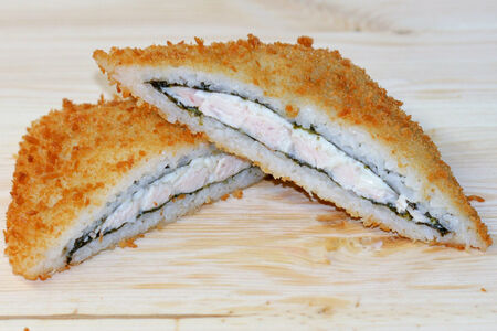 Суши сэндвич с копчёной курицей