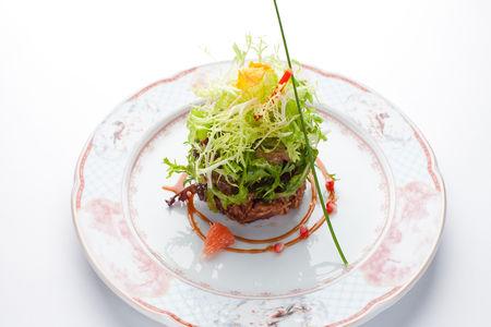 Зеленый салат с хрустящей уткой
