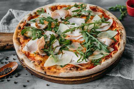 Пицца с копченой индейкой