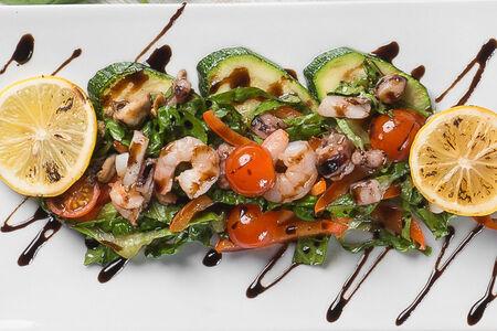 Тайский теплый салат