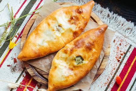 Пирожок по-грузински со шпинатом
