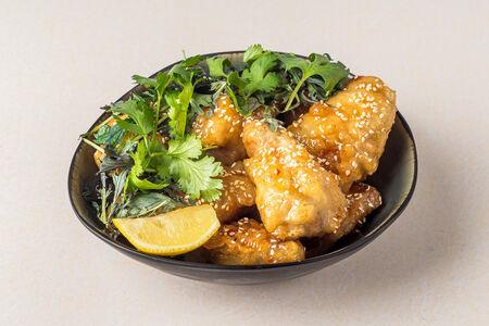 Куриные крылья Темпура в кисло-сладком соусе