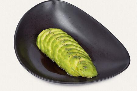 Авокадо с соевым соусом