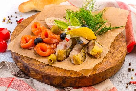 Ассорти из рыбных деликатесов
