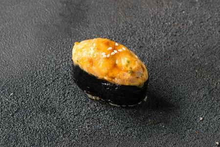 Суши Тунец запеченный
