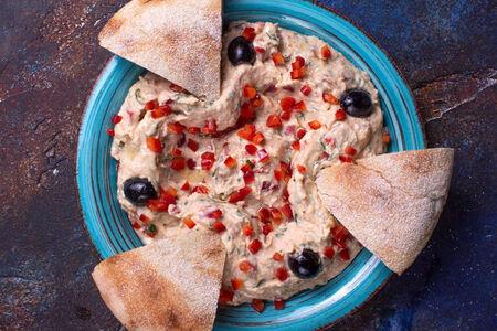 Хумус фли-фли с травами и сладким перцем