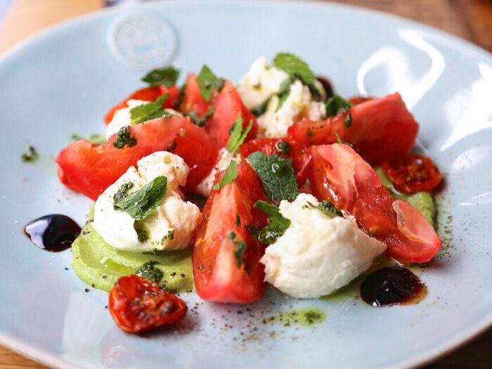 Салат Моцарелла с томатами
