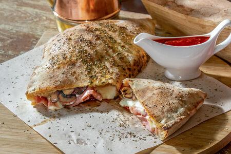 Пицца Кальцоне Хам, чиз и машрумс