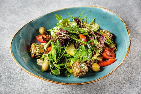 Овощной салат с фермерским сыром