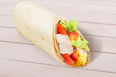 Сендвич-ролл с курицей