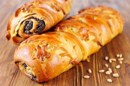 Пирог с маком и грецким орехом