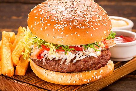 Классический бургер из мраморной говядины с крабом