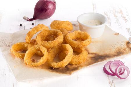 Луковые кольца с сырным соусом