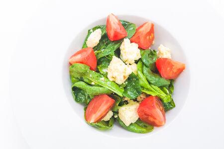 Салат с молодым шпинатом