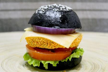 Мини бургер черный
