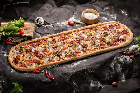 Пицца метровая Неаполитанская
