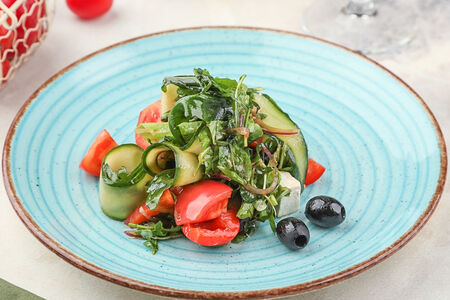 Салат из свежих овощей по-итальянски
