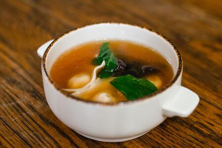 Суп Хундун с пельменями