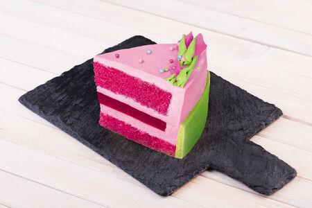 Пирожное Цветучино Малина-фиалка