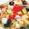 Фото к позиции меню Греческий салат с соусом Дзадзыки