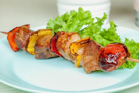 Шашлычок из свинины с овощами