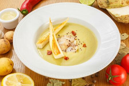 Крем-суп из спаржи с судаком