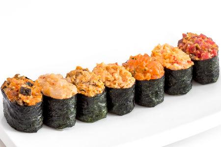 Острые суши с мидиями