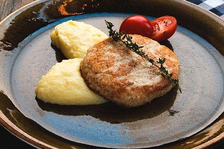 Куриная котлета с картофельным пюре