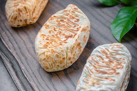 Кок самса с сыром и зеленью