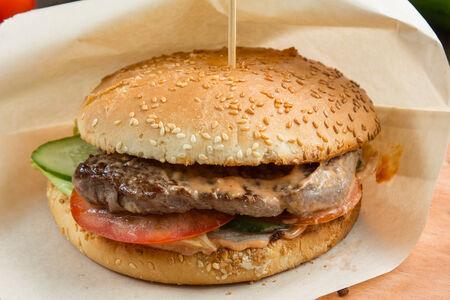 Бургер с говяжьей вырезкой
