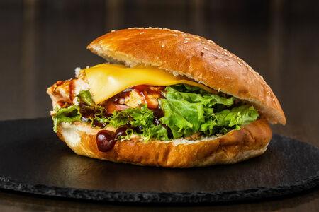 Чизбургер с курицей