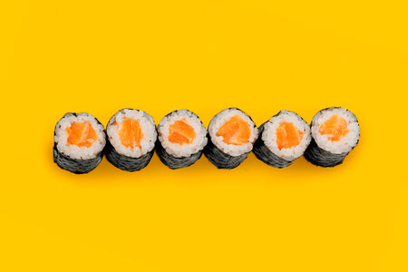 Ролл Маки с лососем