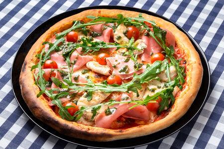 Пицца Мясная с соусом Песто