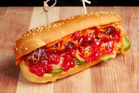 Хот-дог с говяжьей колбаской