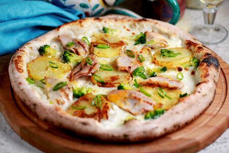 Пицца Бьянка с курицей и картофелем