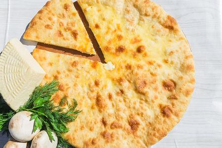 Осетинский пирог с сыром и зеленым луком (1200 г)