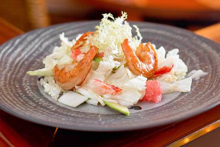 Салат из крабов с креветками